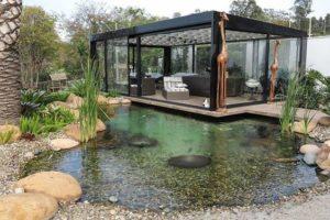 kolam ikan minimalis batu alam