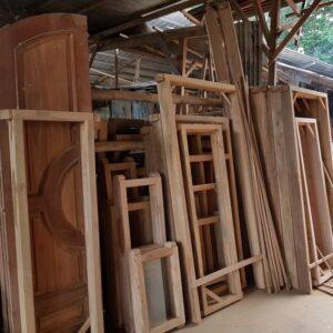 harga kusen pintu kayu merbau